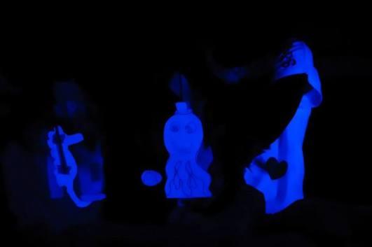 Oficina Teatro de Bonecos Fluorescentes