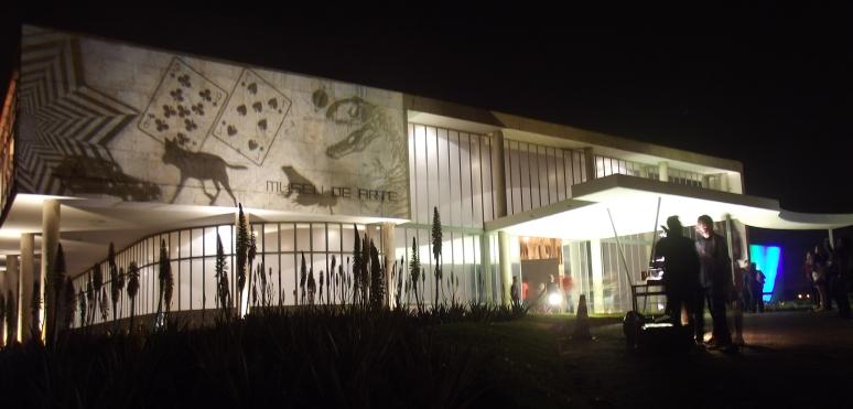 Sombras no Museu _ Grupo Girino _ Teatro de Sombras no Museu de Arte da Pampulha _ Teatro de Sombras - Noturno nos Museus 2014