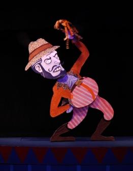 O FANTÁSTICO CIRCO DE PAPEL _ Grupo Girino Teatro de Animação _ Foto Hugo Honorato